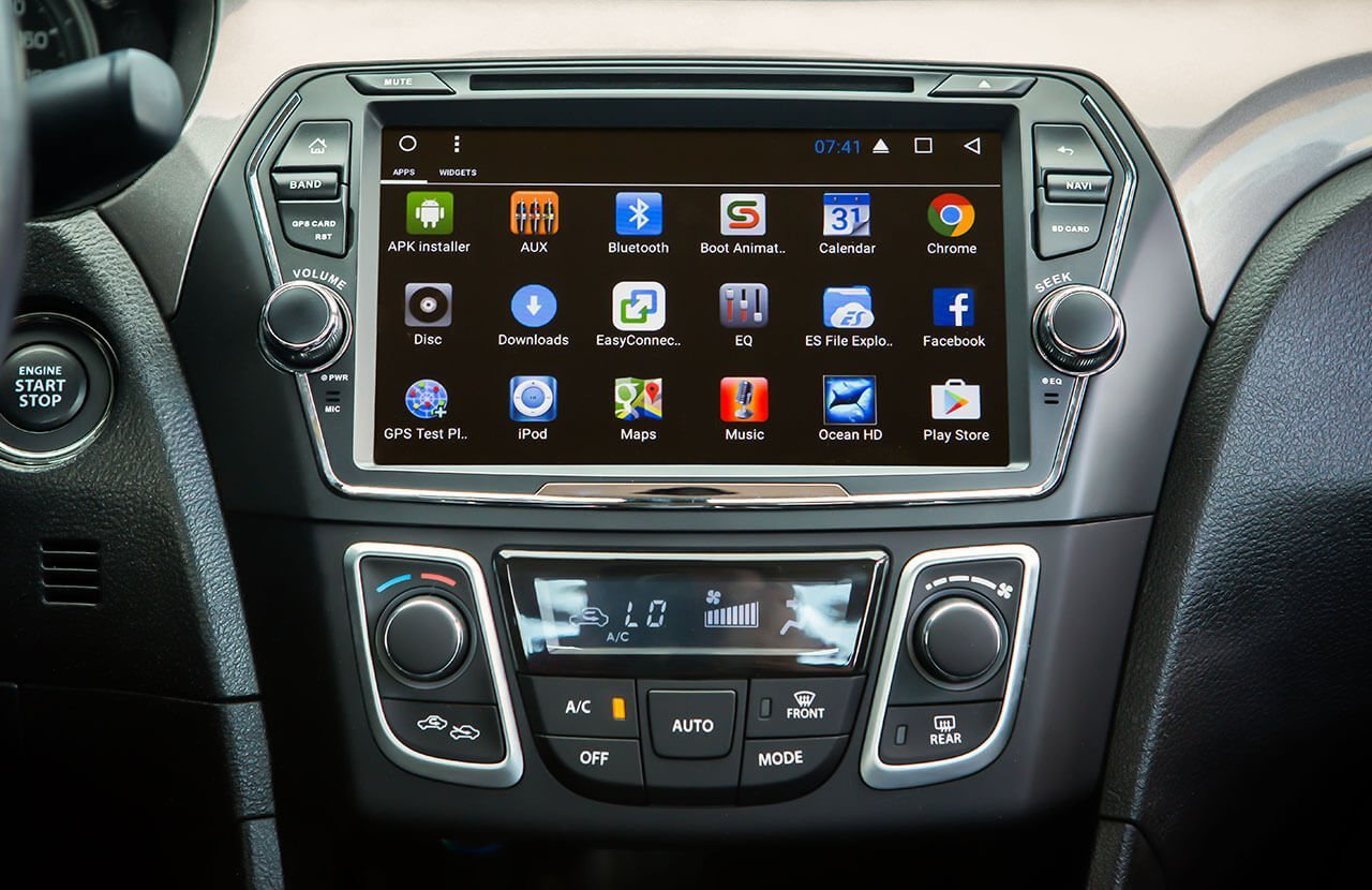 Suzuki Ciaz Android OS Audio Unit with Mirror Link Capability and Automatic Air Conditioner (GLX)