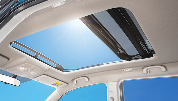Suzuki Vitara Panoramic Sunroof (GLX)