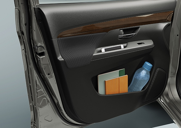 Suzuki Ertiga First and second-row door pockets