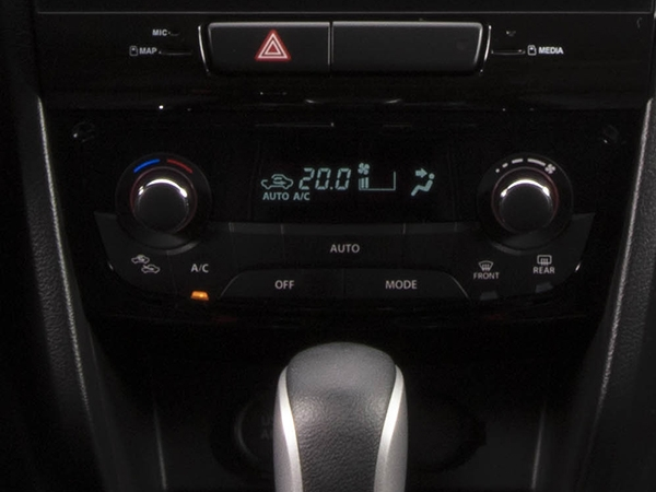 Suzuki Vitara Automatic air conditioning
