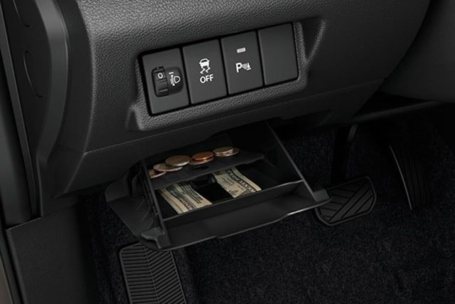Suzuki All-New XL7 Bill and coin holder with partition