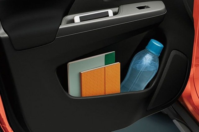 Suzuki All-New XL7 Door pocket with 1,000ml bottle holder (on four doors)