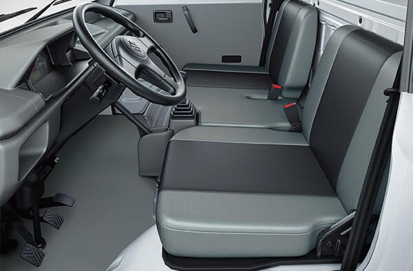 Suzuki Super Carry - Utility Van (UV) Ample Space for Legs